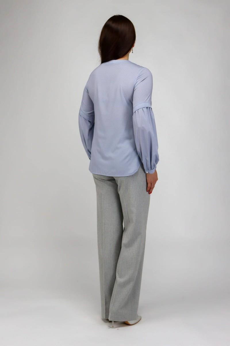 Блузка с пуговицей на горловине в горошек
