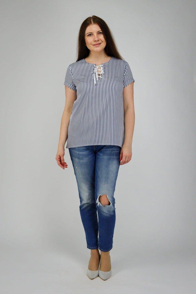Блузка со шнуровкой