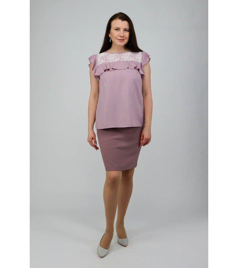 Блузка с воланом и гипюром